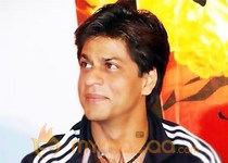 Shahrukh Khan offers to strip at IFFI opener