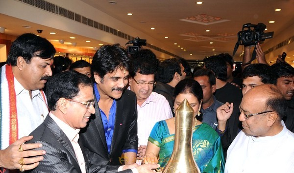 Nagarjuna launches Kalyan Jewellers at Hyderabad