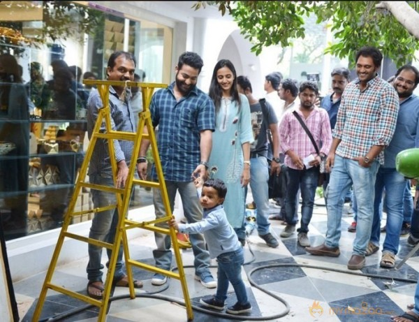 Jr NTR Son Abhay at Janatha Garage Sets