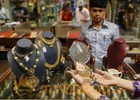 Gold rebounds, hits over 2-month high on global cues