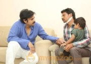 Pawan Kalyan Meets his fan Karuna Srinivas - Photos